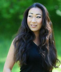 Ditte Young | Forfatter | Dyretelepatør | Clairvoyant | Equicoach | Underviser på Dyretelepatør Uddannelsen